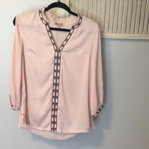Democracy size S blush pink top w/ embroidery